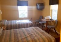motel-2-beds-1-003